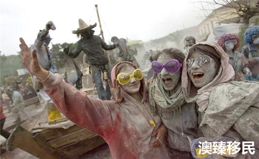 欢度完国庆后来看看希腊移民最爱的狂欢节 (2).jpg
